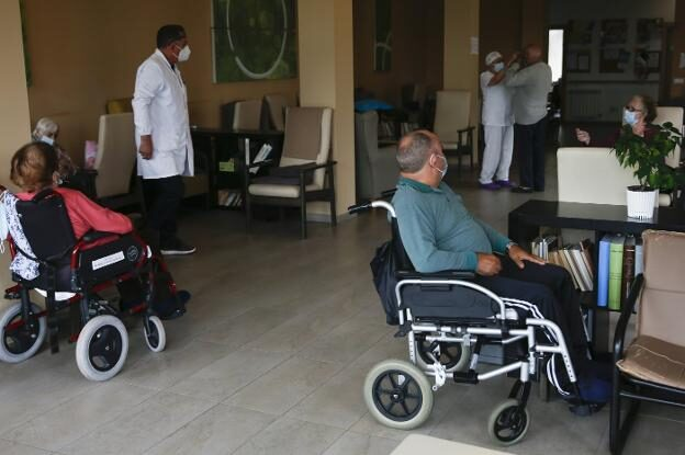 La Consejeria de Salud, «sorprendida» por la baja participacion en los cribados