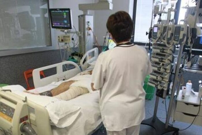 Coronavirus en Asturias | 150 enfermeras se ofrecen voluntarias para reforzar servicios escasos de personal
