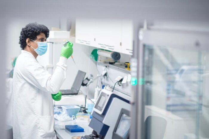 La necesidad de ultracongelar la vacuna del coronavirus puede condicionar los grupos prioritarios en España