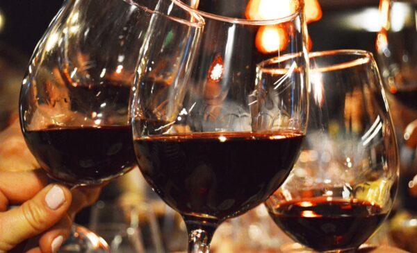 ¿Efecto pandemia? El consumo de vino en 2020 fue el mayor en cinco años