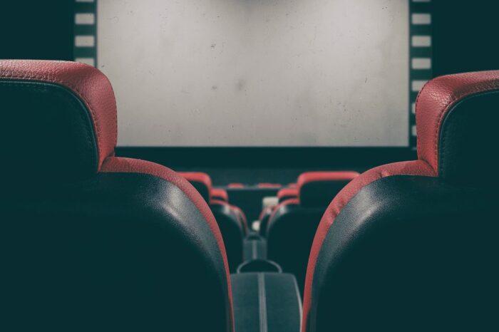 Grandes cadenas y salas pequeñas de cine echan el cierre ante la falta de películas por la crisis