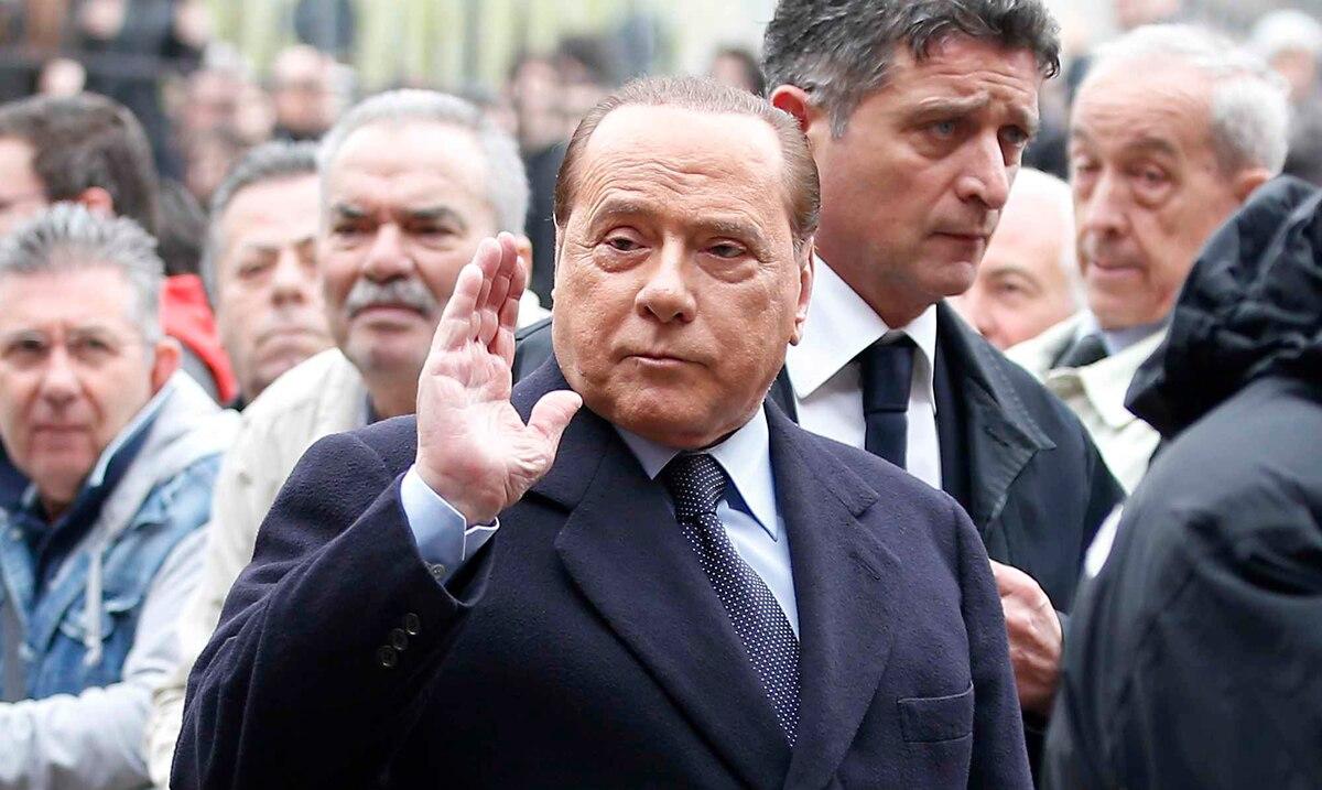 Silvio Berlusconi es dado de alta luego de estar hospitalizado por problemas cardíacos
