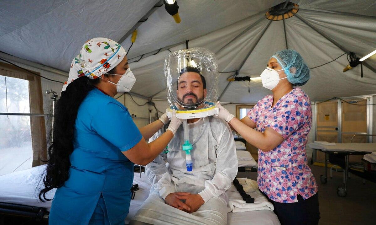 Hospital en Bogotá usa cascos 'burbuja' en pacientes de COVID