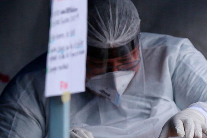 Con cerca de 400 muertes, Colombia llora ya a más de 51.000 personas por el COVID