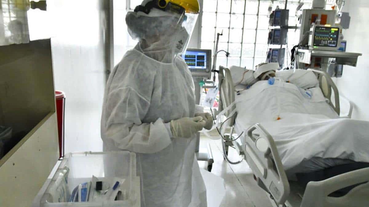 Asociaciones médicas piden declarar emergencia hospitalaria en Colombia