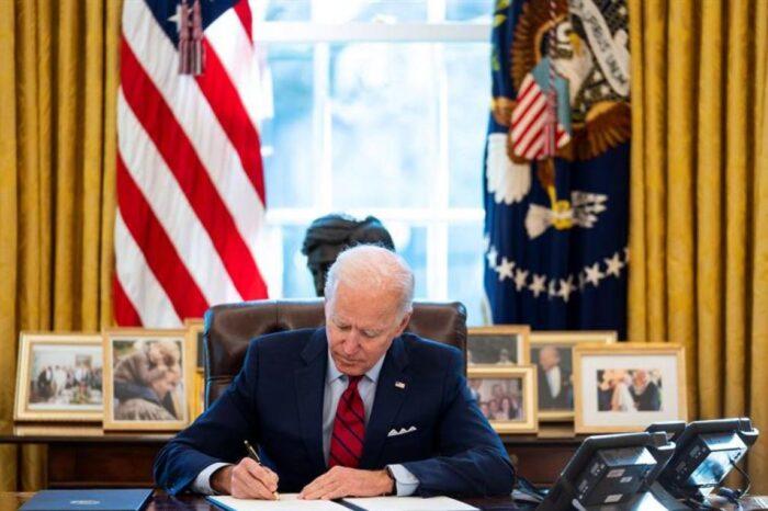 El Gobierno de Joe Biden vacunará también a los indocumentados