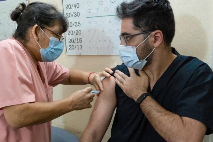 COVID-19 en el mundo: OMS reporta más de 40 millones de vacunas administradas