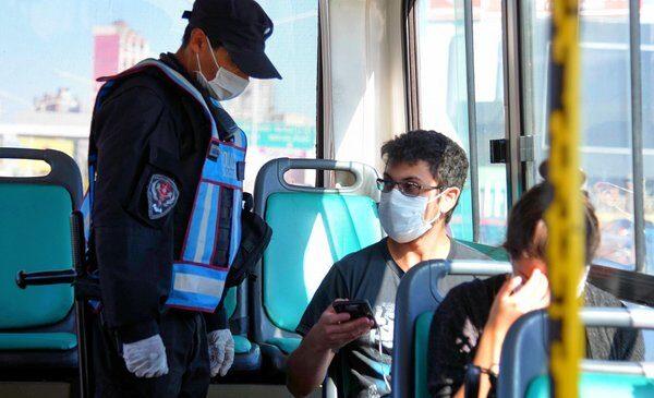 Suman más frecuencias y se necesitará un permiso para viajar en transporte público hacia las escuelas