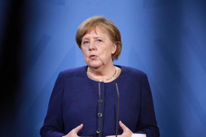 """Merkel avanza que Europa tendrá un pasaporte de vacunación """"para el verano"""""""