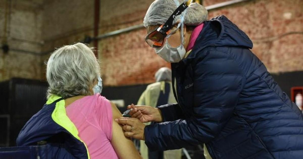 Coronavirus: comenzó la vacunación a mayores de 80 años en Capital Federal