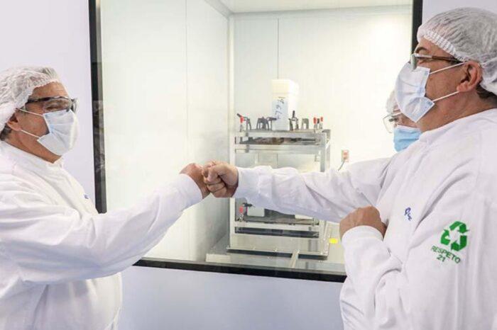 Alberto Fernández visitó el laboratorio mexicano que trabaja con Argentina en la vacuna