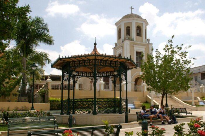 El alcalde de San Lorenzo relata su desesperación para conseguir vacunas para los adultos mayores de su pueblo