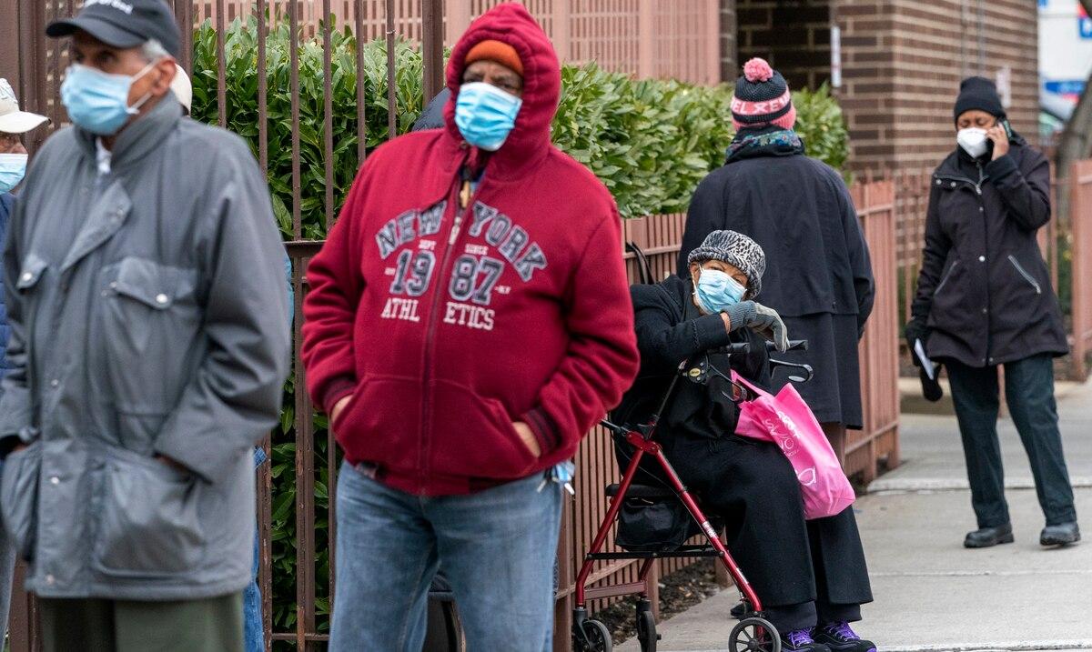 Estados Unidos supera los 450,000 fallecidos por la pandemia