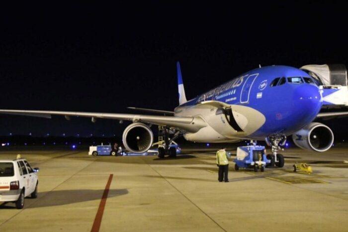 Coronavirus: llegó a Moscú el avión de Aerolíneas que traerá el cuarto cargamento de vacunas Sputnik V
