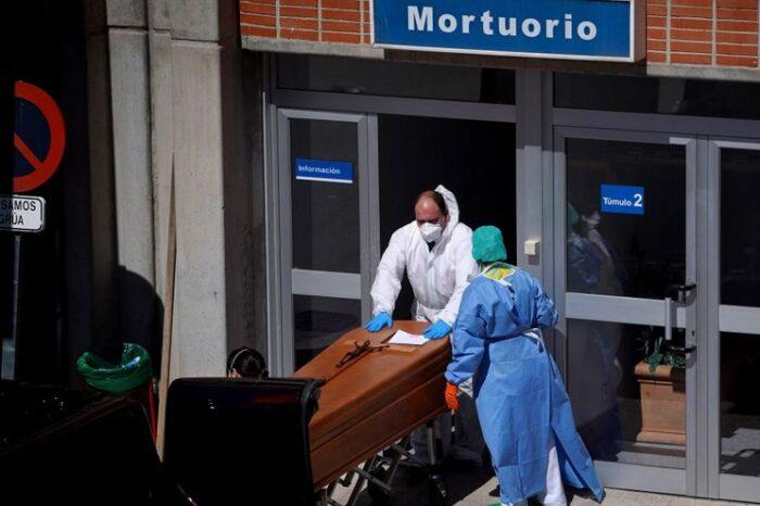 Las muertes por coronavirus registradas desde julio superan ya las de la primera ola