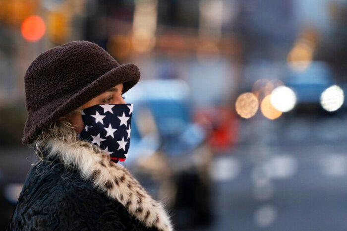 Estados Unidos impone el uso de mascarilla en vuelos y transporte público