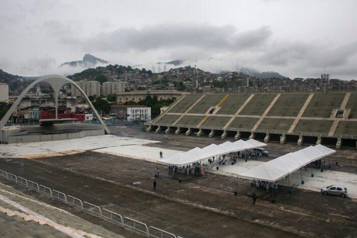 Sin carnaval a causa de la pandemia, el Sambódromo en Río de Janeiro sirve como centro de vacunación