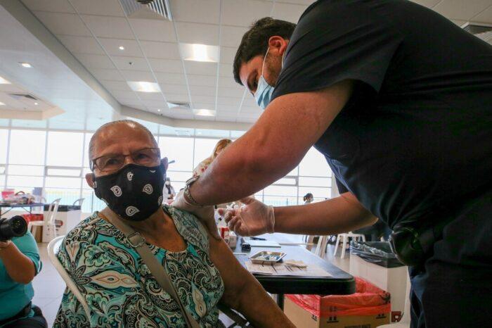 Tormenta de nieve retrasa 80,350 vacunas contra el COVID-19 destinadas para Puerto Rico