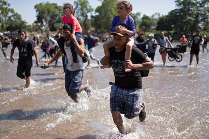La administración Biden paraliza la expulsión de menores migrantes no acompañados por adultos