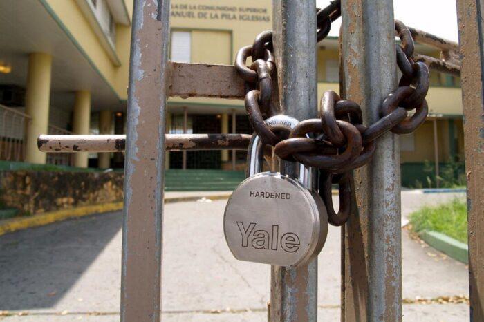 """""""El proceso ha sido atropellado"""", dice el alcalde de Villalba sobre la reapertura de escuelas"""