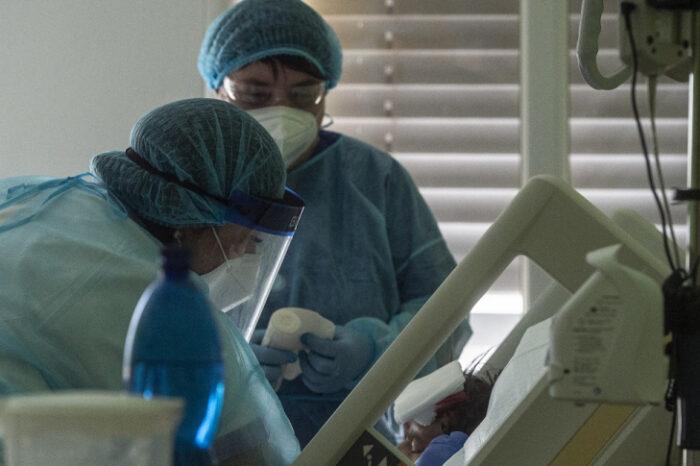 El mundo registra la cifra más baja, en cuatro meses, de muertes por COVID-19