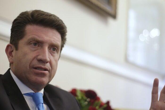 Ministro Diego Molano dice cuándo empezaría la aspersión aérea de cultivos ilícitos