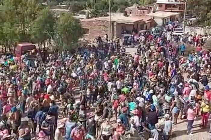 Una multitud festejó el desentierro del Carnaval el Humahuaca pese a la restricciones
