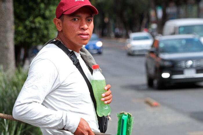 Un año de pandemia adelgaza los bolsillos de los mexicanos