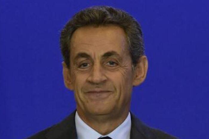 Sarkozy alega una patología médica para vacunarse antes