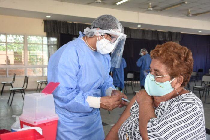 Formosa es la provincia con más alto índice de vacunación: ya inoculó al 83,8% de su personal de salud y policial