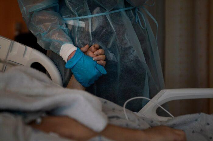 Salud subestimó más de 400 muertes posiblemente asociadas con el COVID-19 en los primeros meses de la pandemia