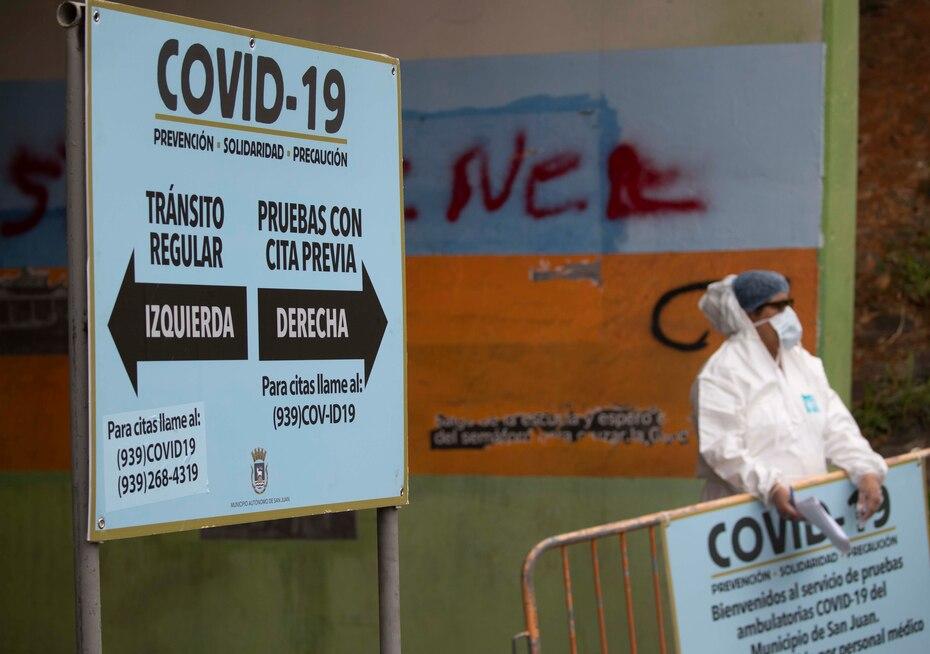 La alcaldesa de San Juan, Carmen Yulín Cruz Soto, estableció un centro de pruebas móviles para detectar el COVID-19. Asimismo, se implementó un centro de llamadas dentro de la Biblioteca Estudia Conmigo para que los ciudadanos se identificaran y determinaran si se realizarían la prueba.