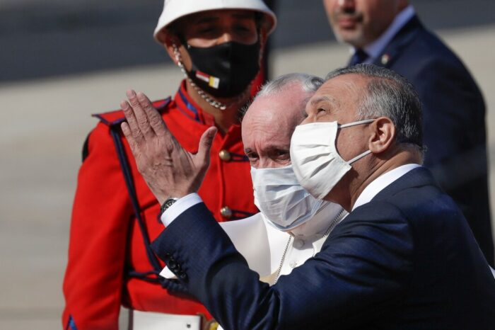 El papa Francisco llega a Irak en medio de la pandemia