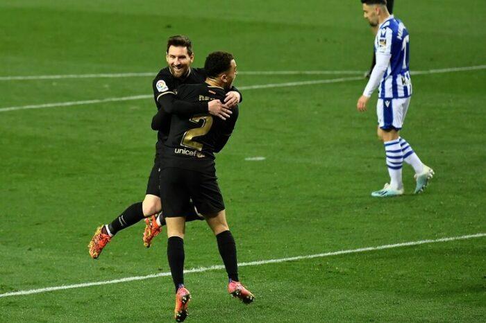 Con dos de Messi, Barcelona goleó 6 a 1 a Real Sociedad y sigue de cerca a Atlético de Madrid