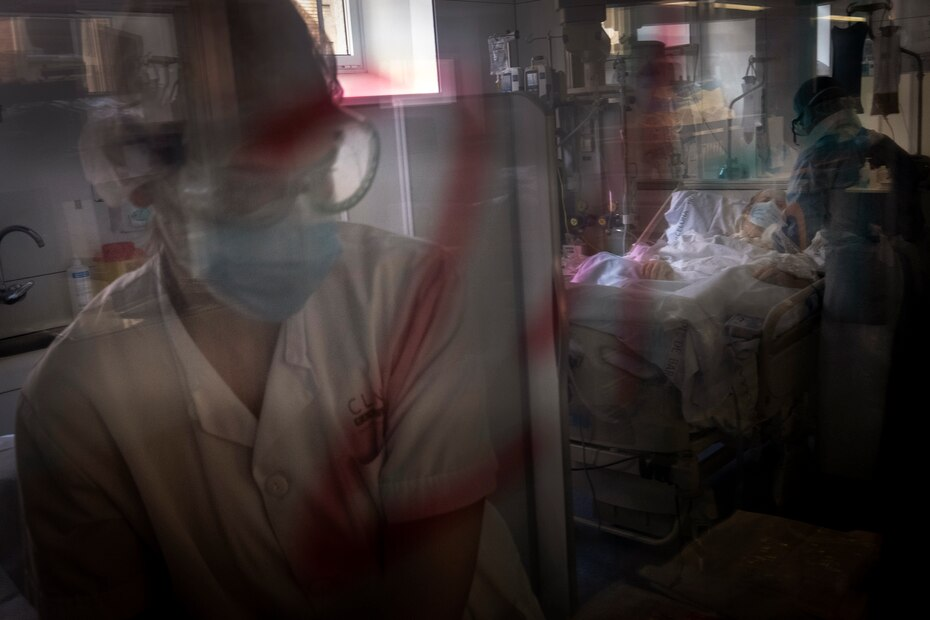 Foto de archivo del 22 de abril de 2020 cuando en Europa había crisis por la falta de espacio en las áreas de intensivo por la cantidad de pacientes.