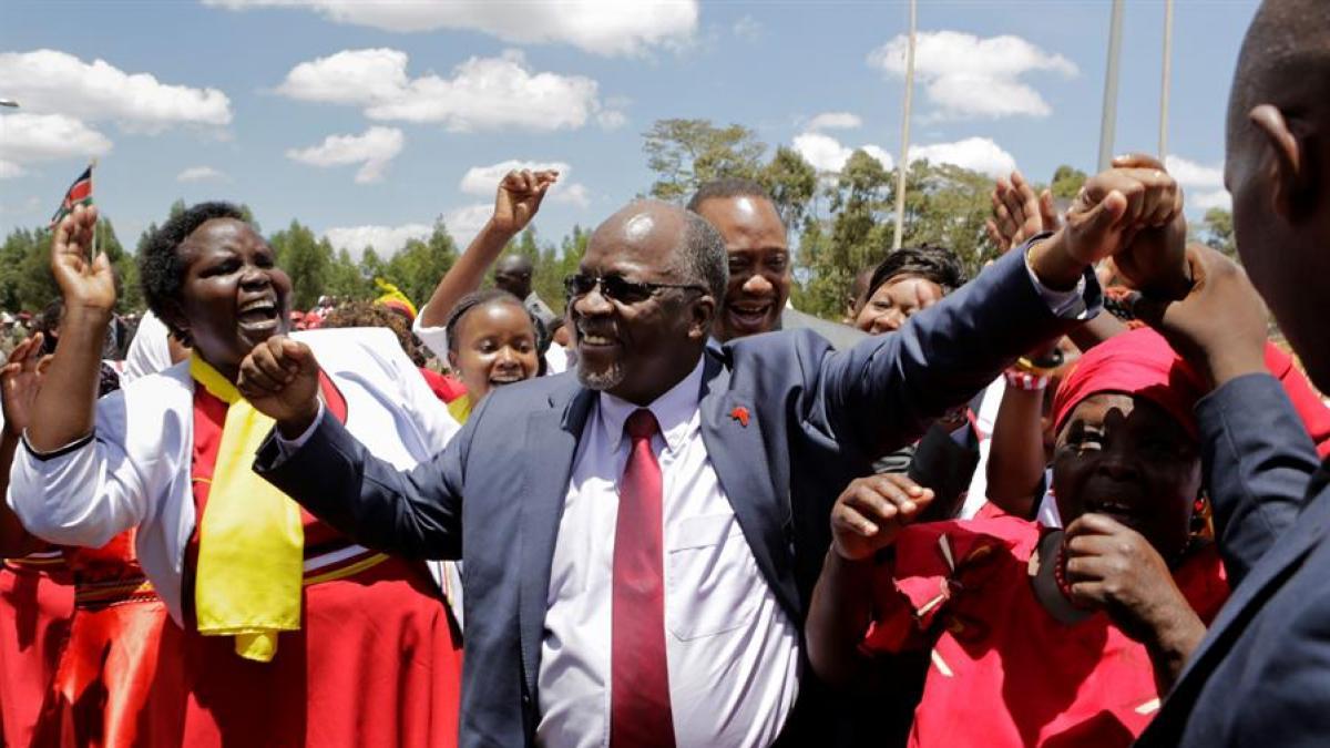 Muere John Magufuli, el presidente de Tanzania que rechazaba las vacunas y pedía combatir al coronavirus rezando