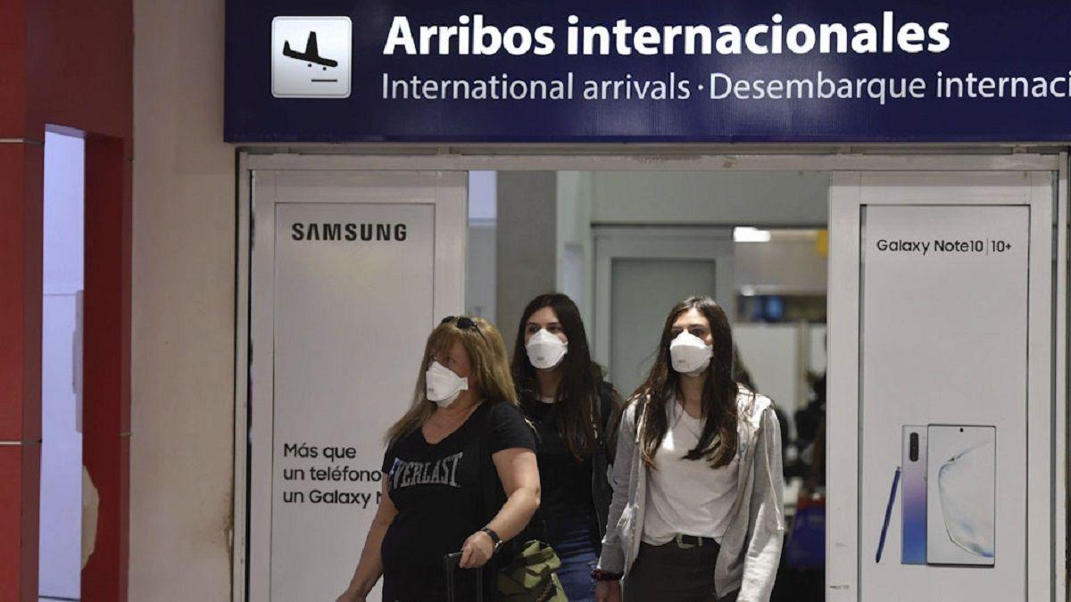 El Gobierno reduce las frecuencias de vuelos a EE.UU., Brasil, Colombia, Panamá y Chile