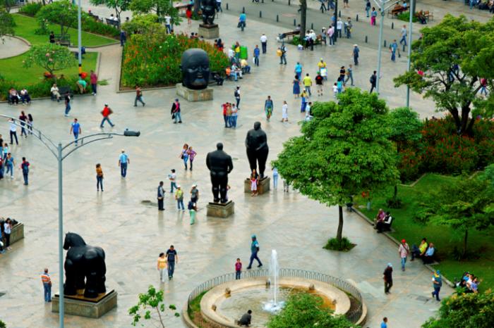 Pico y cédula este 31 de marzo en Medellín y el nuevo horario del toque de queda