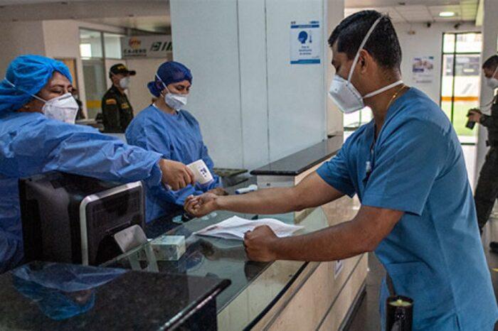 La historia del médico paciente que caminó la pandemia al filo de la muerte