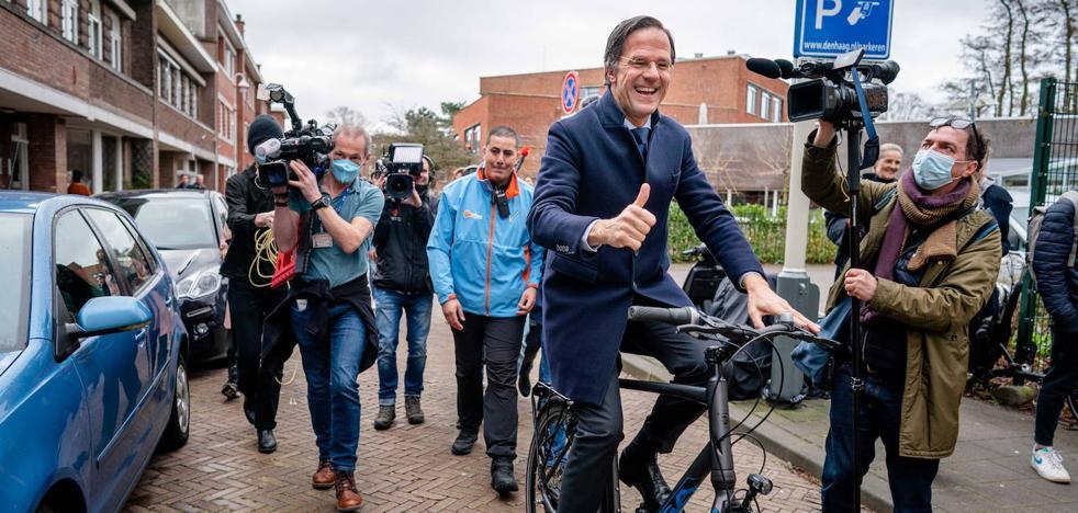Países Bajos da a Rutte un cuarto mandato para encauzar la pandemia