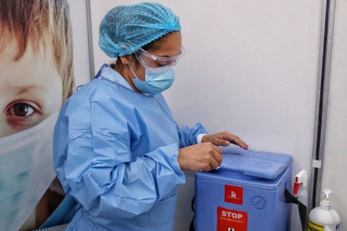 Colombia recibió nuevo lote con 500.000 vacunas de Sinovac