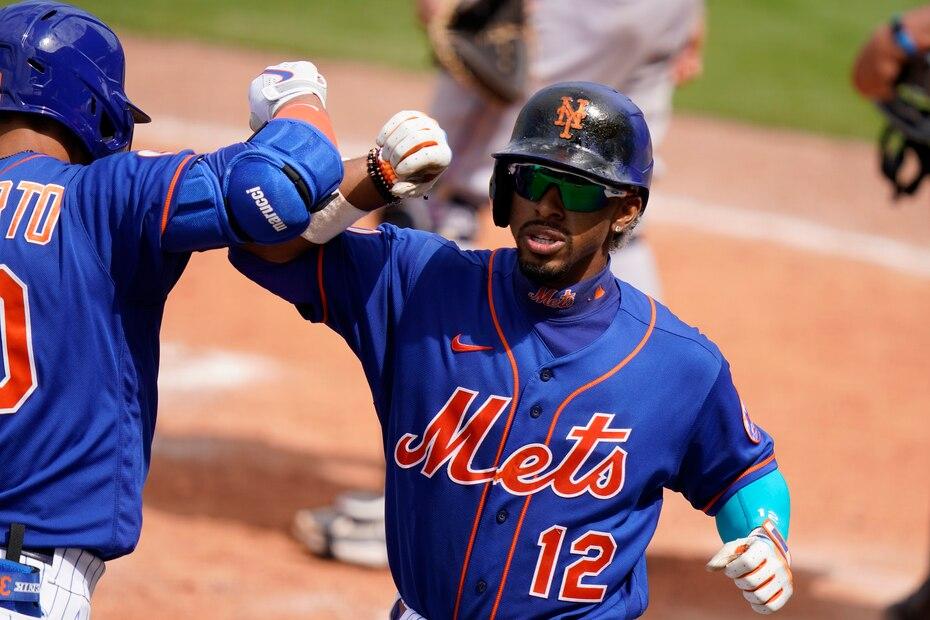 En marzo de 2021, el puertorriqueño Francisco Lindor se convirtió en el tercer pelotero mejor pagado en la historia de MLB tras llegar a un acuerdo de 1 millones por 10 años con los Mets de Nueva York.