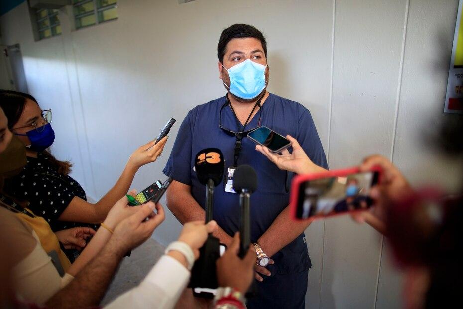 En Vieques, según explicó Mellado, la población que podría recibir la vacuna es de 8,000. De estos, 3,626 ya recibió las dos dosis de la vacuna y 868 solo la primera dosis, para un 60%.