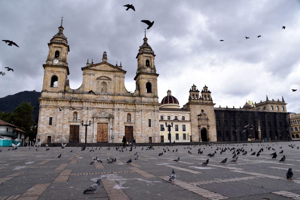 Colombia enfrenta un nuevo confinamiento ante preocupante tercera ola de COVID-19