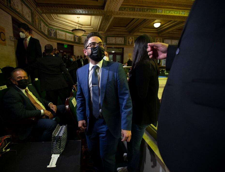 El secretario del Departamento de Hacienda, Francisco Parés Alicea, también hizo acto de presencia en las gradas del hemiciclo.