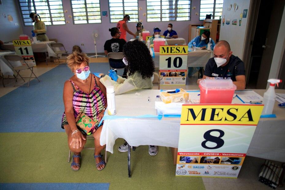 En el caso de la isla municipio de Culebra, la Guardia Nacional logró vacunar a un 86% de la población hábil para recibir la vacuna, por lo que sobrepasaron el 70% recomendado por las autoridades.