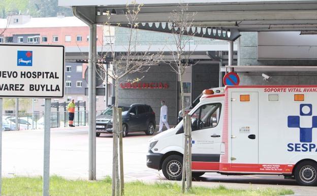 Salud investiga el caso de un trombo en una asturiana vacunada con AstraZeneca