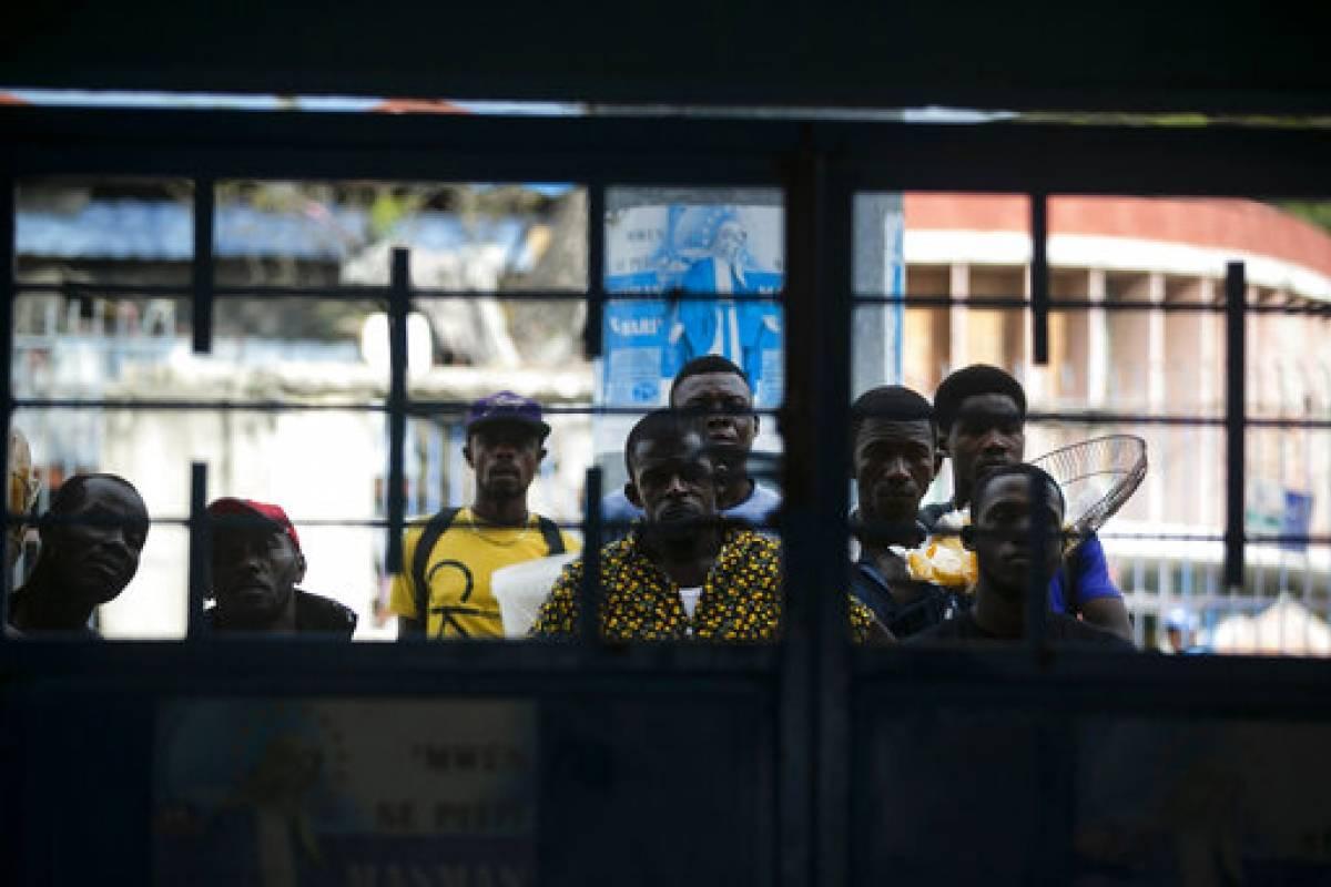 Haití sigue esperando vacunas anti-COVID en medio de apatía