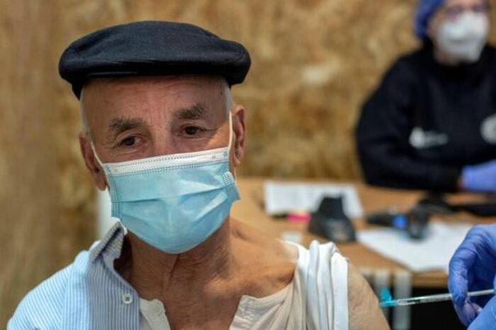 Sanidad amplía el uso de AstraZeneca entre 60 y 69 años