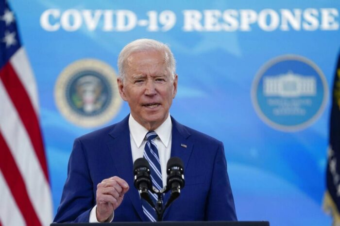 Joe Biden adelantará fecha para ampliar vacunación para adultos